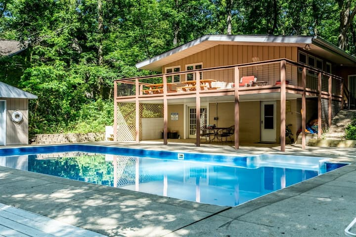 Mid-Century Home w/ Private Pool, Hot Tub, Firepit, Ping-Pong - and More!