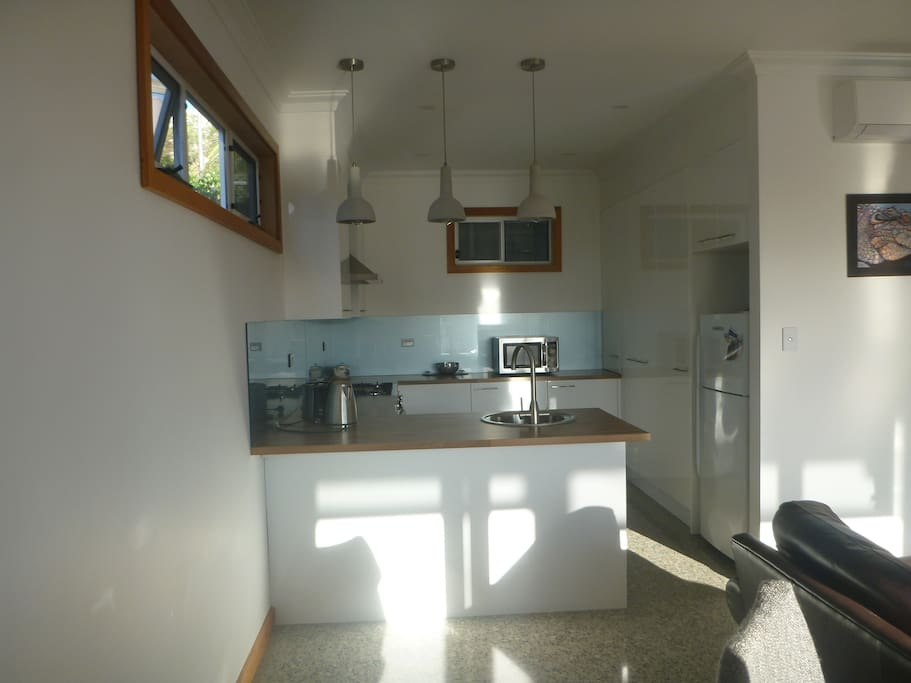 Kitchen with all appliances and gas cooker