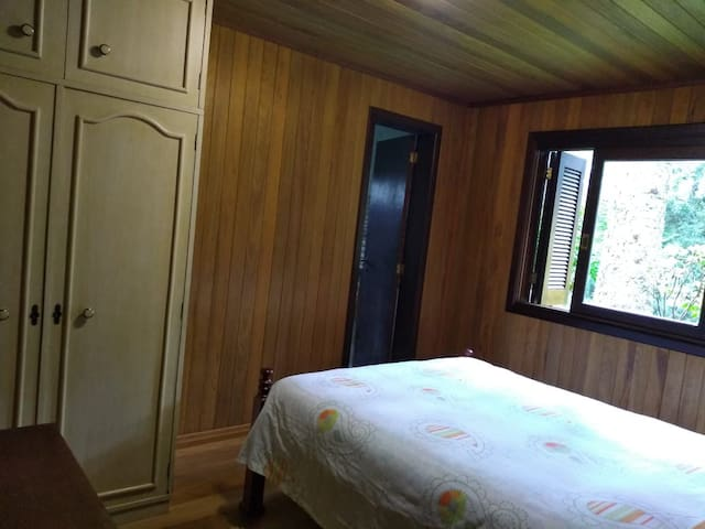 Quarto 1 Cama de Casal com suite