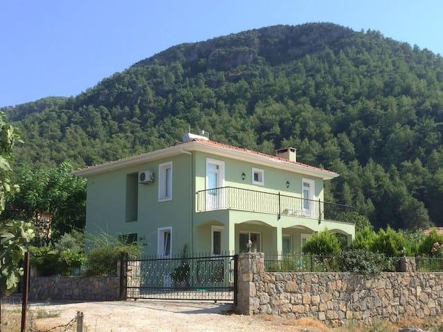 Beautiful Yesil Vadi, 3 Bedroom Villa with pool