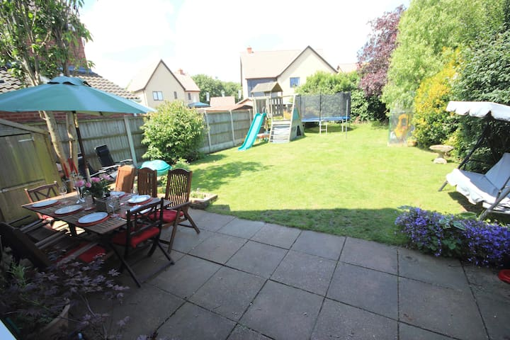 4 Bed house close to the Broads, Beach & Norwich