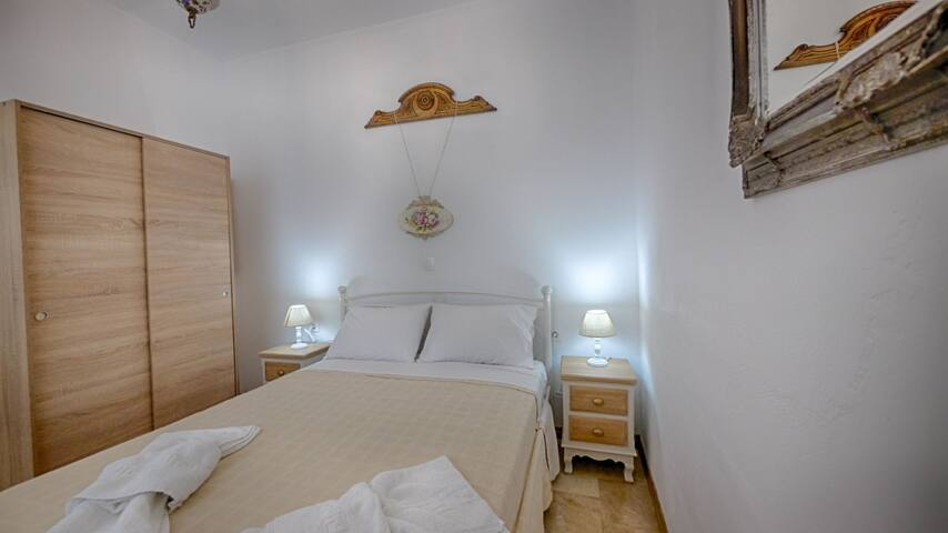 Studio with a terrace just 5 min from the beach!