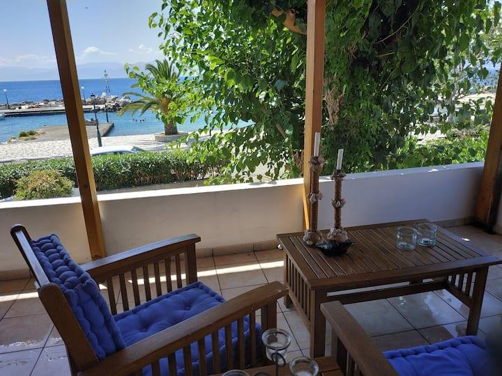 Σπίτι μπροστά στη θάλασσα, Μαραθιας, Ναυπακτος