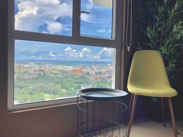 Vista Panorama - Lush Condo in IT Park, Cebu City
