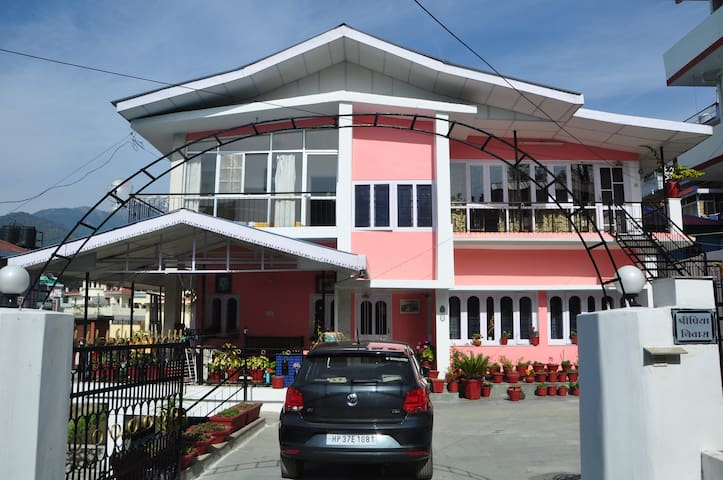 Shri Priya Niwas -  Palampur , District Kangra - Rumah