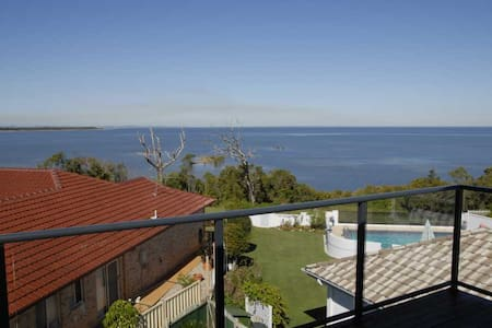 Bribie & Moreton Bay Panorama: Room 1 - Upstairs - Sandstone Point - House