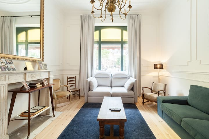 3 bedroom Art Nouveau Duplex in ST Gilles