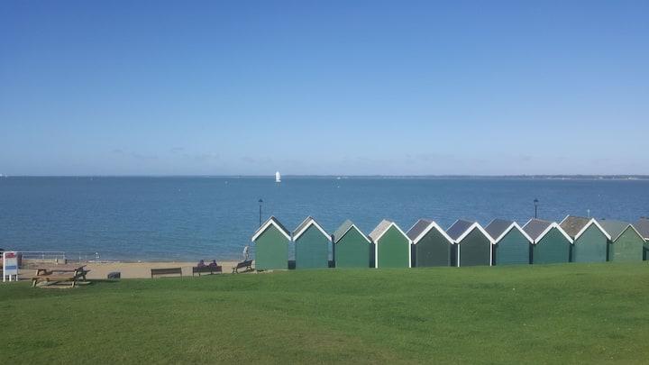 Seaside village hideaway, Gurnard, Cowes.