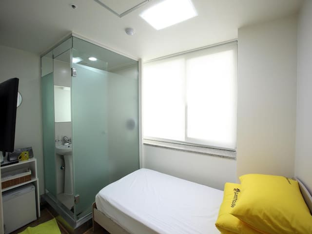 *Single,clean,cheap,3min.myeongdong,seoultower