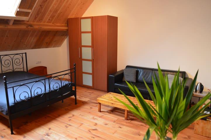 Rustige kamer in woonboerderij [Grupstal]