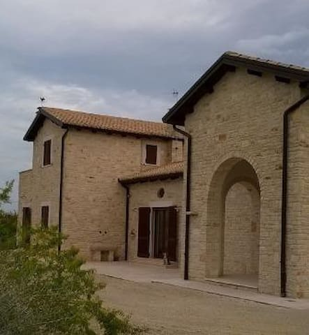 CASALE IN PIETRA PER AMANTI DELLA NATURA - Corato - Villa
