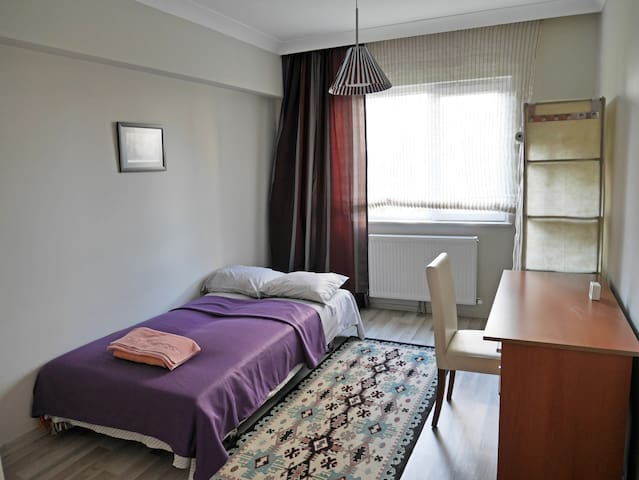Room in the modern apartment with private bathroom - Etimesgut - Appartement