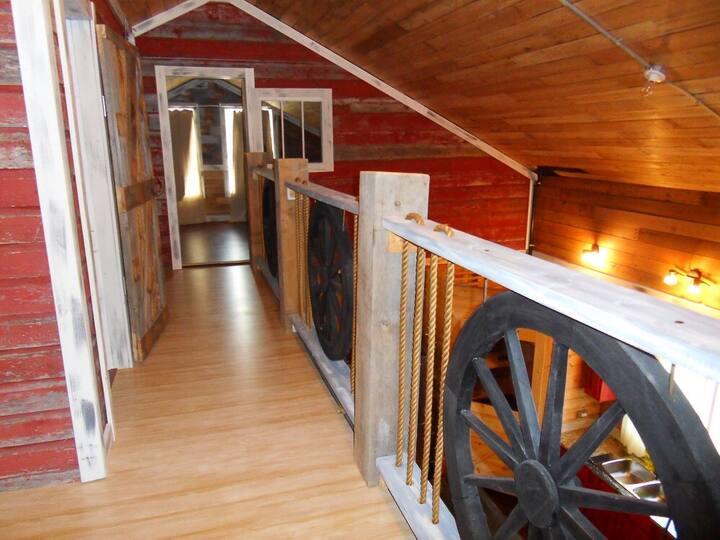 6 Bedroom Cabin at Greenwater Lake