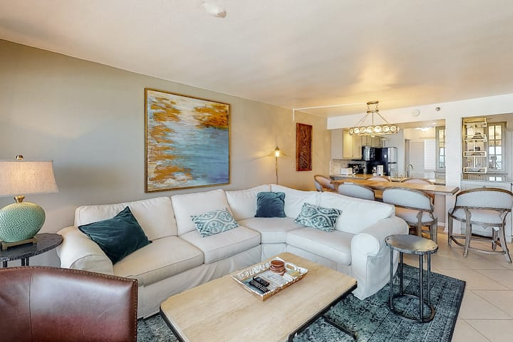 11th Floor Gulf Front Condo! Fun Amenities, Nearby Shopping & Dining!
