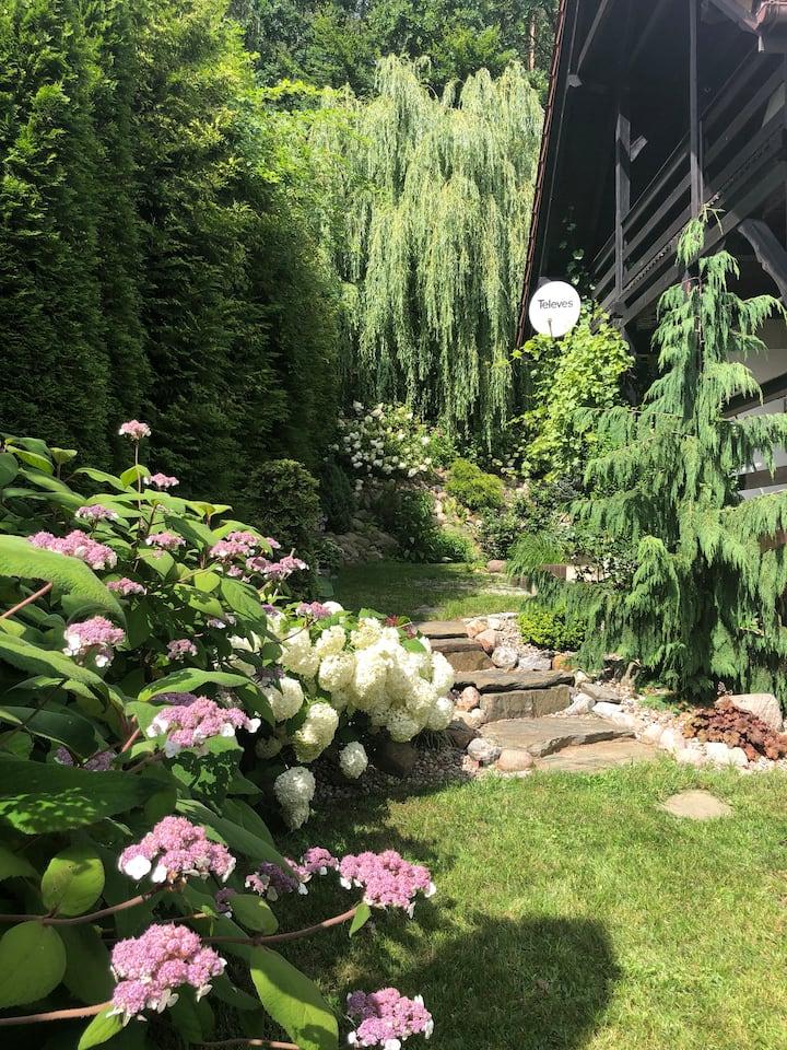 Uroczy Domek na Kaszubach ,z pieknym ogrodem