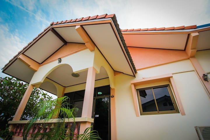Suda Guesthouse Khoa Tao - ตำบล หนองแก - House