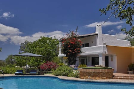 Villa with amazing views and large pool in IBIZA - Can Bessó
