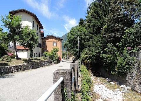 Дома с каждой услугой на озере Maggiore и Varese