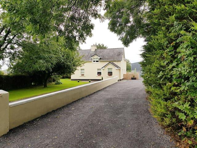 Gamo's farmhouse in peaceful south Mayo