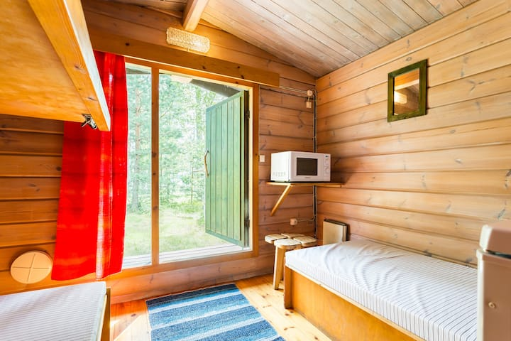 Two-bed camping summer house