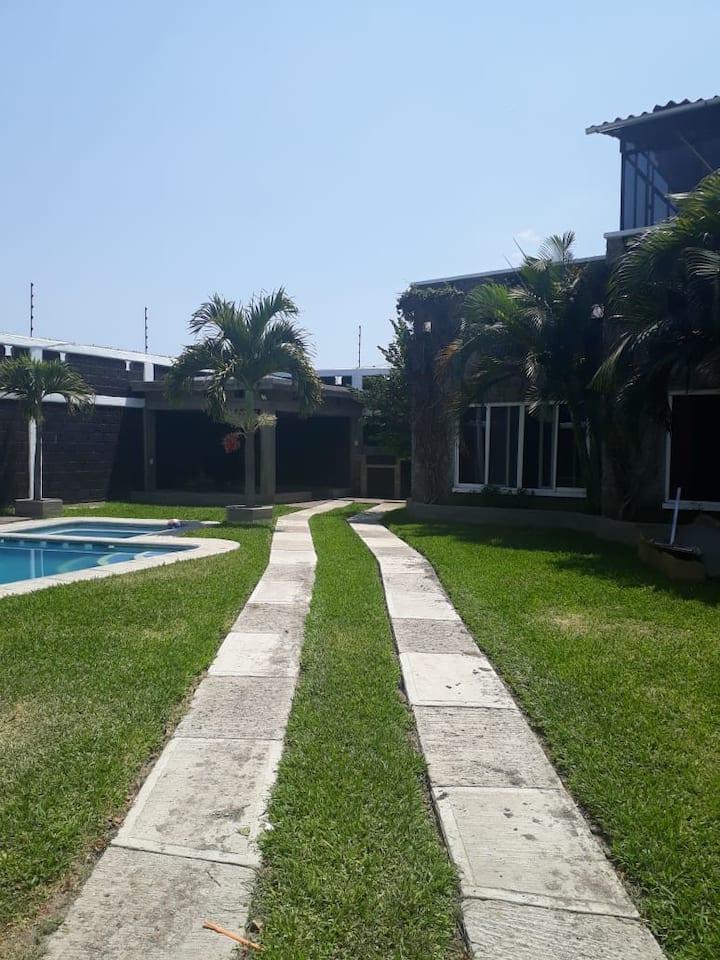 Hermosa Casa Grande para Vacacionar en Yautepec!