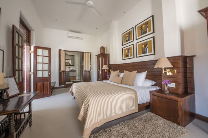 Premier DBL Room with Galle Fort View & 25% OFF