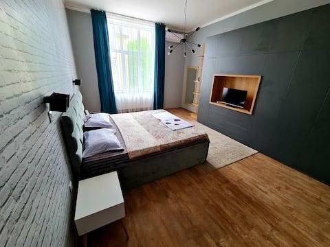 Liberta apartment- downtown