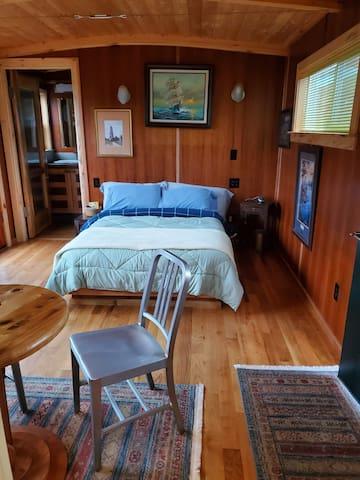 Bedroom &  sitting area