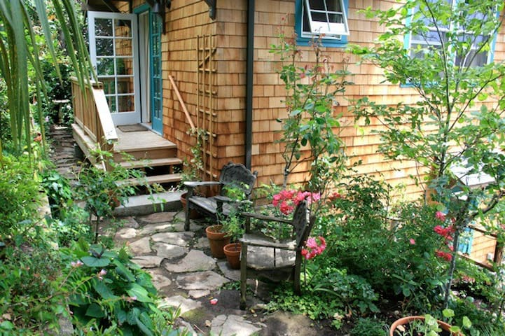 Charming Cottage in the Heart of San Anselmo - San Anselmo - Guesthouse