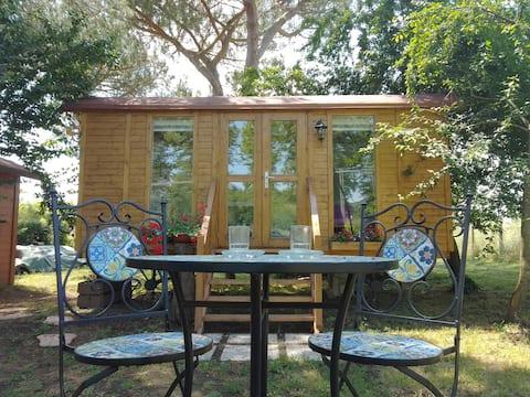 Romantica casetta nel verde/ tiny house w/ hot tub