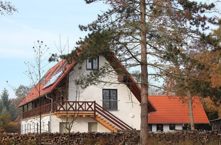 """Ferienwohnungen Zum Baumhaus Whg.2 """"Holzfäller"""""""