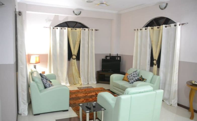 Logess Short term rental apartment - Accra - Apartment