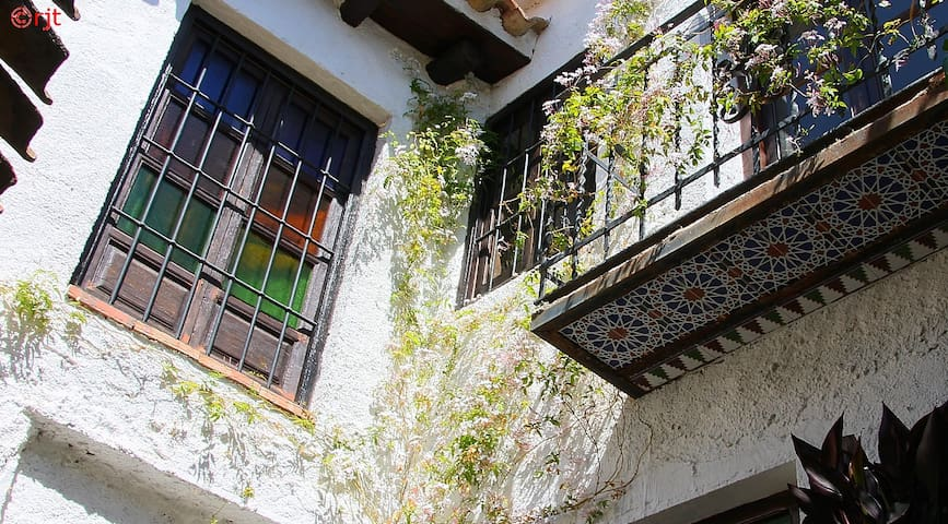 Apartment in old Andalucian house - Lecrín - Lägenhet