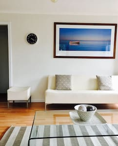 Ben's Beachside Villa - Mornington