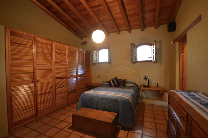 Master bedroom (full bed)