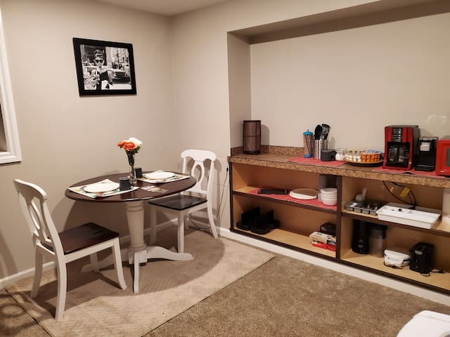 Enjoy a 2 BR (king&full) w/ private entry!