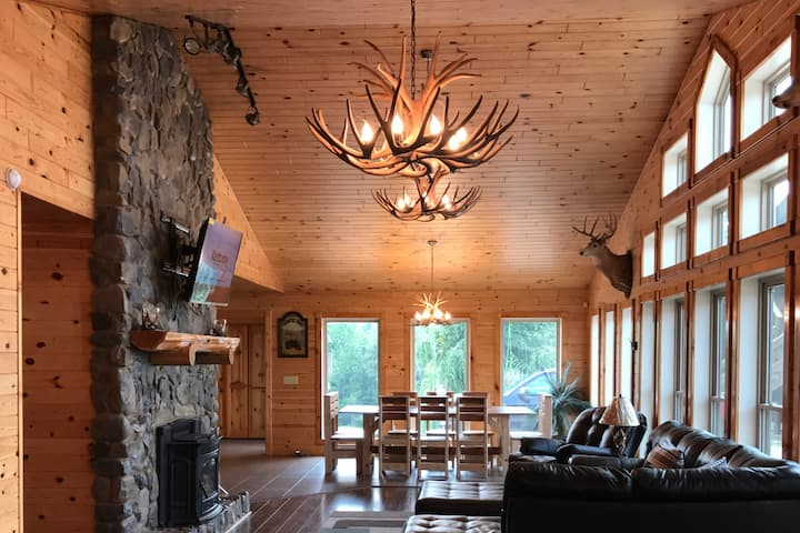 Beautiful Home Only 25 miles from Lake Cumberland