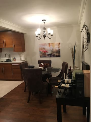 Perfect 2br Brentwood for Monthly Stay