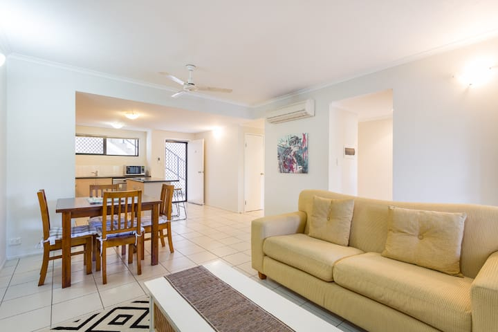 Central to Town & Esplanade | Perfect for Couples