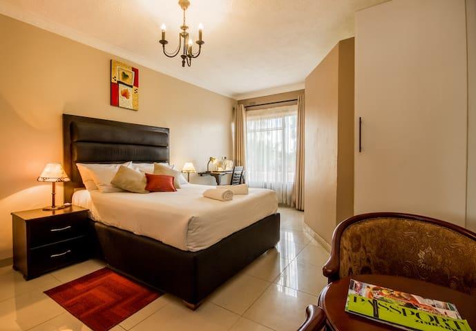 Riverstone Lodge, 2 Bedrooms Luxury. - Harare - Aamiaismajoitus