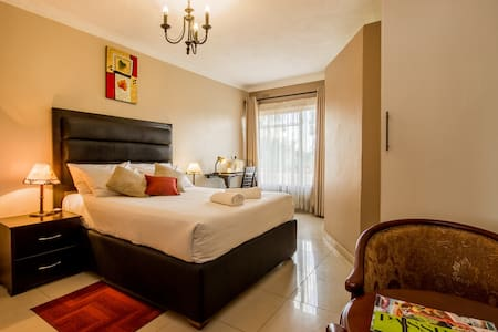 Riverstone Lodge, 2 Bedrooms Luxury. - Harare
