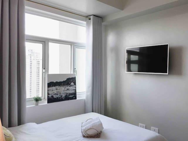 """The studio apartment is equipped with a 32"""" Smart TV, TV plus for local channels only, telephone (unavailable), and wifi."""
