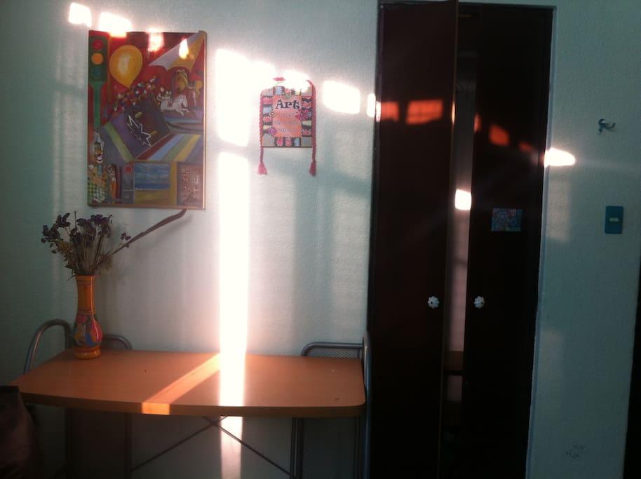 La Habitación es la más luminosa del departamento.