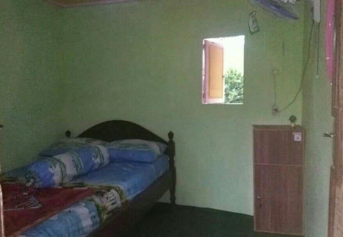 ijen minners familly (room5)