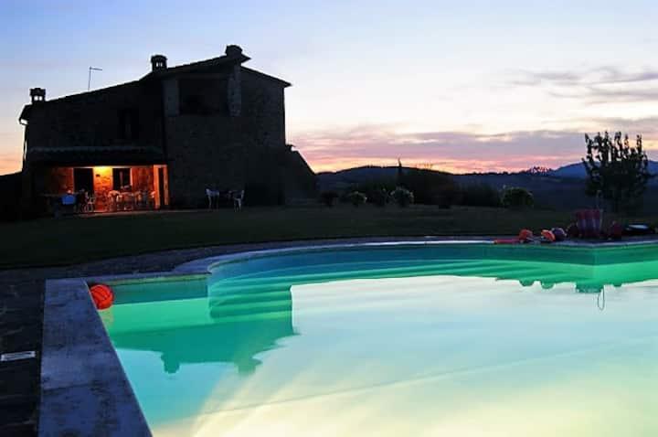 Stupenda villa nel cuore della Toscana.