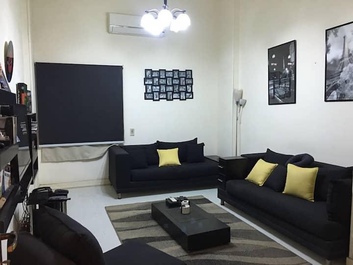 Charming modern 1 bedroom ground apt.