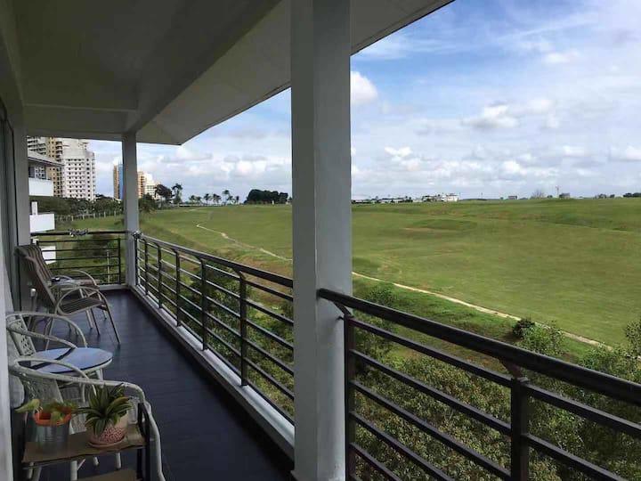 seri alam >duplex <8pax>golf view
