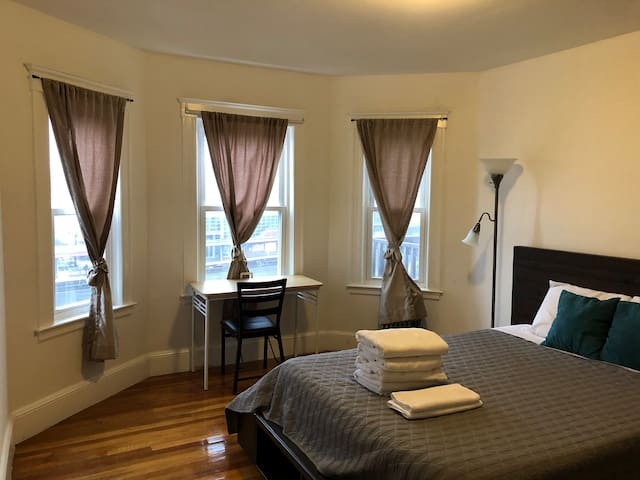 Downtown Boston/UMASS/Lovely Private Room(4)