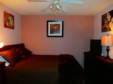 Clean/quiet/NICE room & bath right by front door!