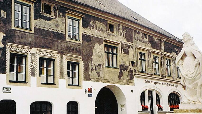 Urlaub in der größten Weinstadt Österreichs
